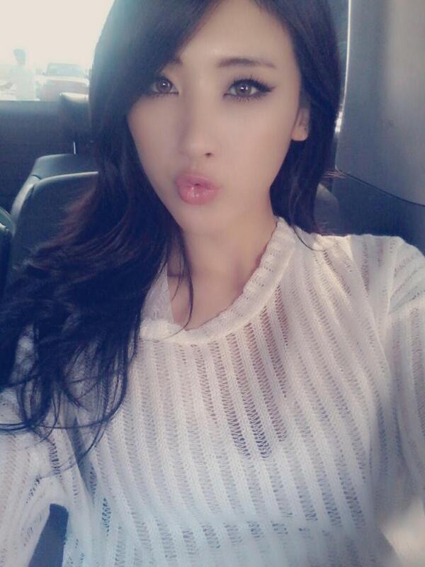 boobsmoonhyuna3